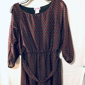 DRESS BY 3 PINK HEARTS SIZE M